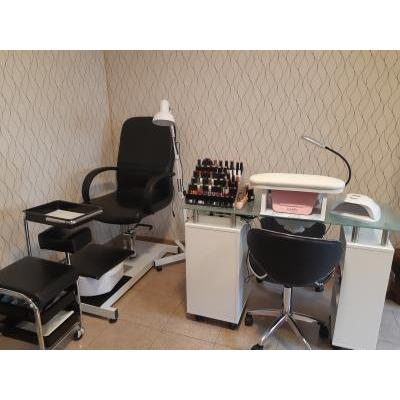 KARMIS BEAUTY SALON